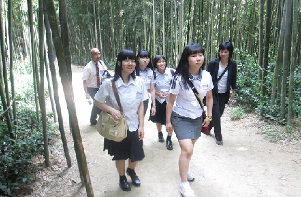 竹緑苑( チュンノグォン)を散策